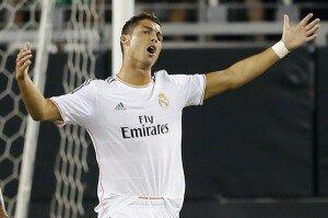Cristiano Ronaldo FIFA 16-min